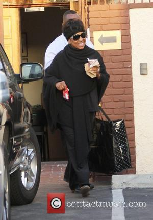 Gladys Knight Dancing With The Stars' celebrities outside the dance rehearsal studios Los Angeles, California - 28.02.12