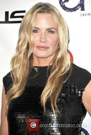 Daryl Hannah Arrested After Oil-line Protest
