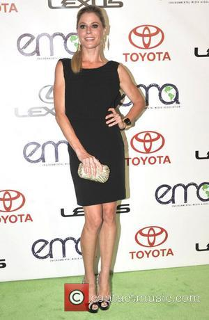 Julie Bowen Suffering From Swollen Foot