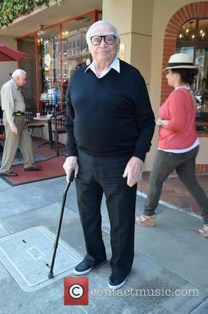 Stars Pay Tribute To 'Marty' Actor Ernest Borgnine