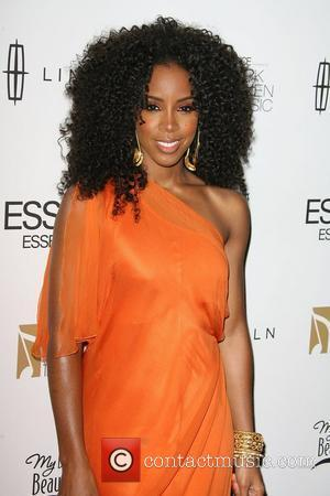 Kelly Rowland Honoured At Black Women In Music Event