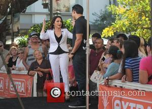 Gloria Estefan at The Grove to on entertainment news show 'Extra' Los Angeles, California - 03.10.12