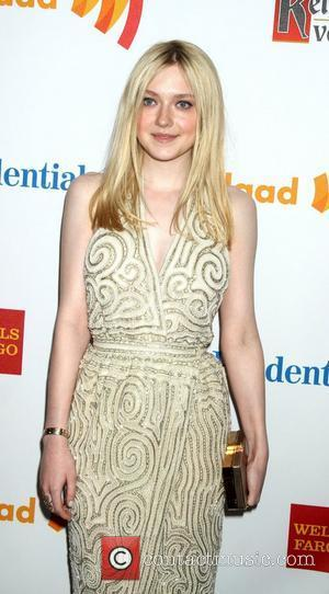 Dakota Fanning Shuns Social Networking Sites