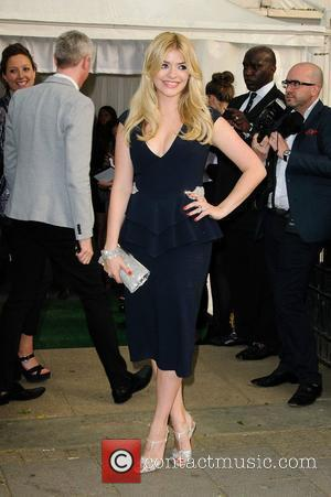 Glamour Awards 2012: Holly Willoughby Suffers Wardrobe Disaster?