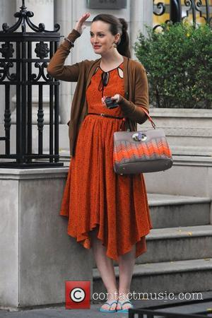 Leighton Meester  filming on the set of 'Gossip Girl in the Upper East Side, Manhattan. New York City, USA...