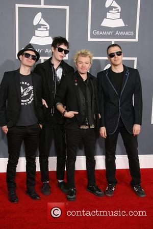 Deryck Whibley Staying Sober With Help Of Iggy Pop And Tommy Lee