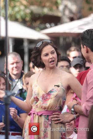Ashley Judd Celebrities at The Grove to appear on the entertainment news show, 'Extra'  Los Angeles, California - 11.04.12
