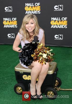 Jennette McCurdy 2012 Cartoon Network Hall of Game Awards at Barker Hangar Santa Monica, California - 18.02.12
