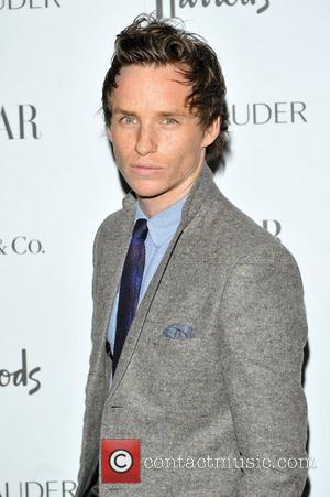 Eddie Redmayne Enjoys Nightly Piano Sessions
