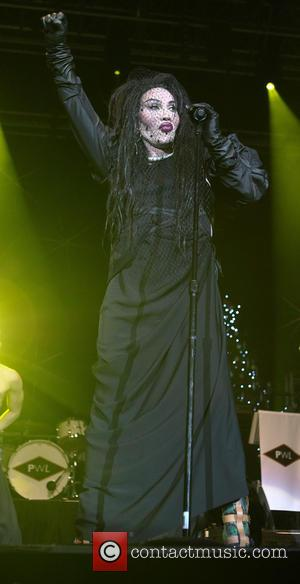 Pete Burns, Dead and Alive