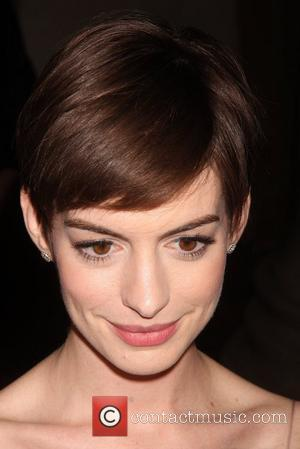 Anne Hathaway Devastated By Wardrobe Malfunction
