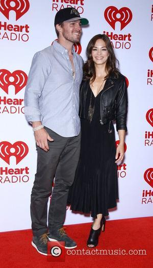 Stephen Amell and Kristin Kreuk