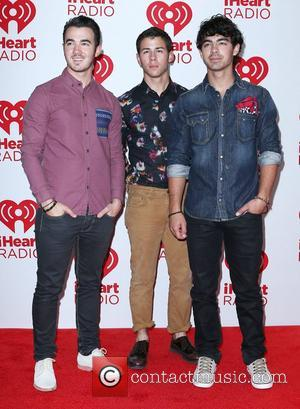 Jonas Brothers Debut New Music, Sparking Miley Cyrus Rumours