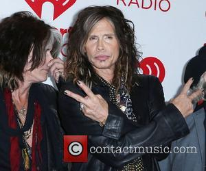 Steven Tyler's Rep Dismisses Broken Engagement Rumours