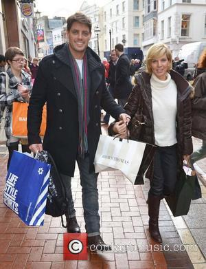 Boyzone star Keith Duffy is spotted christmas shopping with his wife Lisa Dublin, Ireland - 19.12.11