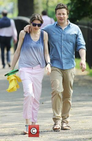 Jools Oliver and Jamie Oliver taking a stroll together in Primrose Hill London, England - 23.05.12