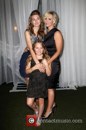 Jennie Garth and Lola Ray
