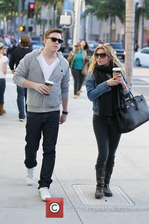Jesse McCartney and his mother Ginger McCartney Christmas shop on Rodeo Drive in Beverly Hills Los Angeles, California - 21.12.11