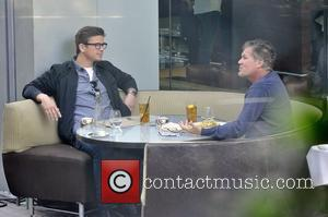 Josh Hartnett enjoys a meal at BOA in Beverly Hills. Los Angeles, California - 04.04.12