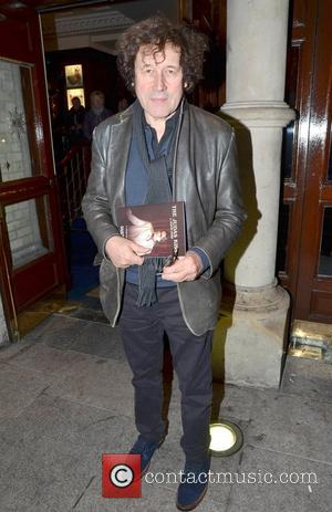 Stars Turn Out For Seamus Heaney's Funeral