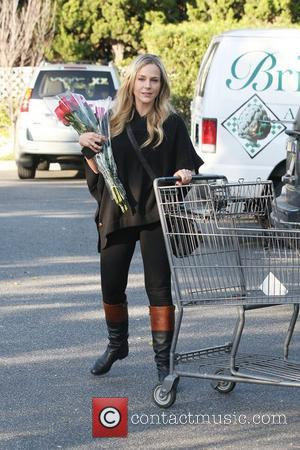 Julie Benz leaves Bristol Farms with a dozen roses after shopping for groceries  Los Angeles, California - 17.01.12