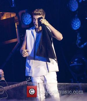 Justin Bieber Joined By Fellow Canadian Drake As Tour Hits Toronto (Video)