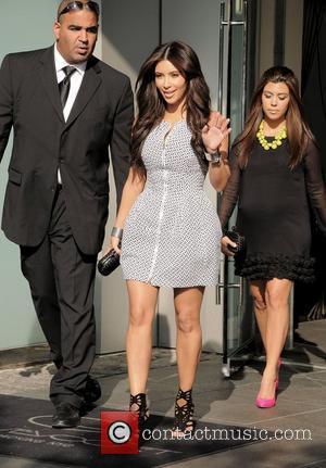 Kim Kardashian, Clutch, Jimmy Choo, Kourtney Kardashian and Bottega Veneta