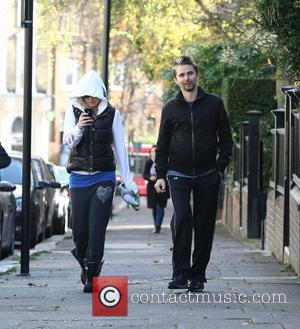 Kate Hudson and Matt Bellamy heading to the gym in north London London, England - 30.11.11