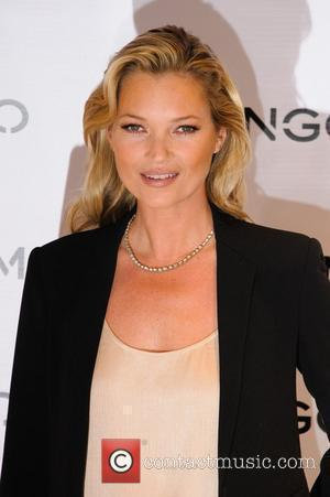 Kate Moss Turns Dj For Fashion Party