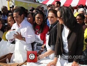 Mayor Antonio Villaraigosa,  Omarosa Manigault, Nancy LaScala and Anne-Marie Johnson The 30th Annual Jackson Limousine Service Turkey Dinner Giveaway...