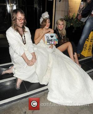 Lady Gaga's Cheeky Flash At Concert