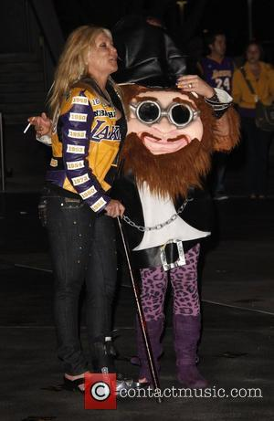 Pamela Bach at the Staples Center to watch the LA Lakers game Los Angeles, California - 30.10.12