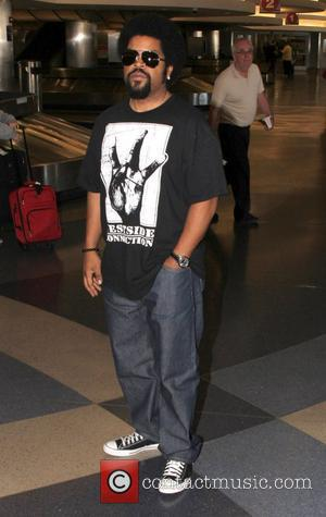 Ice Cube arrives at LAX airport Los Angeles, California - 26.08.12