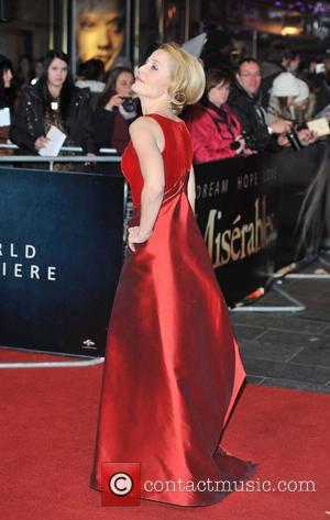 Gillian Anderson Returns To U.s. Tv In Hannibal Series