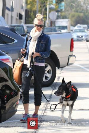Leslie Bibb out and about with her dog in West Hollywood Los Angeles, California - 02.11.12
