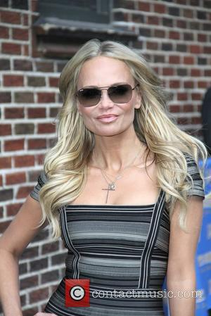 Kristin Chenoweth To Play Dolly Parton In New Musical