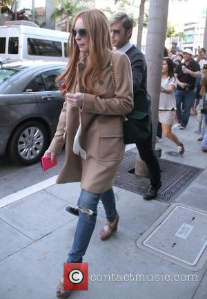Lindsay Lohan's Probation Officer Give Thumbs Up