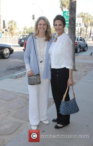 Lindsay Wagner and Linda Carter Lindsay Wagner Palm Springs Walk of Stars ceremony held at Cafe Europa and The Corridor...