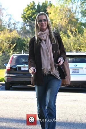 Lisa Kudrow arrives at a hair salon Los Angeles, California - 06.12.11