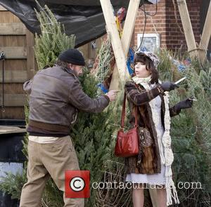 Paul Giamatti, Sally Hawkins  filming on location in Brooklyn the comedy movie 'Lucky Dog'. New York City, USA -...