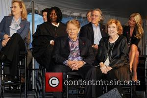 Meryl Streep, Anne Meara, Jerry Stiller, Kelly Ripa, Robert De Niro and Whoopi Goldberg