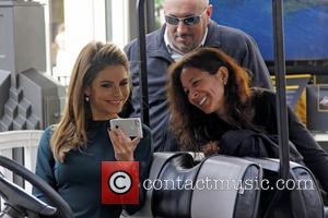 Extra and Maria Menounos