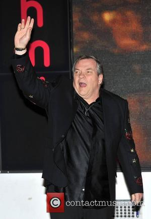 Meat Loaf Falls Ill On Live Tv