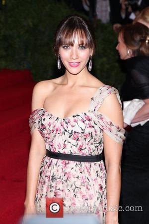 Rashida Jones' Rep Dismisses Drake Romance Rumours