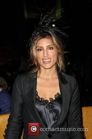 Jennifer Esposito Scours Beauty Product Labels For Gluten Ingredients