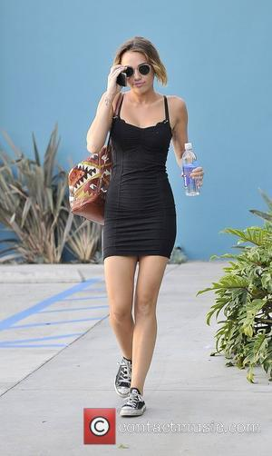 Miley Cyrus Denies Anorexia: Weight Loss Down To Healthy Diet