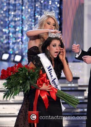 Miss America 2011 Teresa Scanlan crowns Laura Kaeppeler as Miss America 2012 2012 Miss America Pageant final at the Theatre...