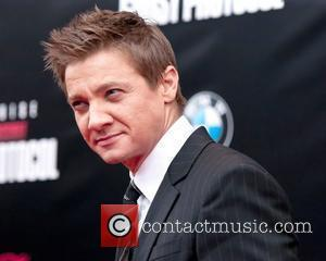 Jeremy Renner Injured In Bar Brawl