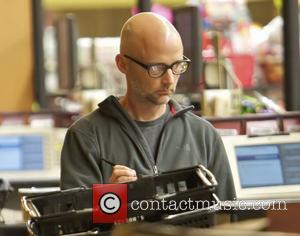 Moby pays for his shopping at Gelson's Supermarket in Beverly Hills Los Angeles, California - 26.08.12