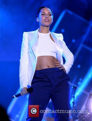 Alicia Keys Struts Her Stuff At The CES Party at Paris Ballroom